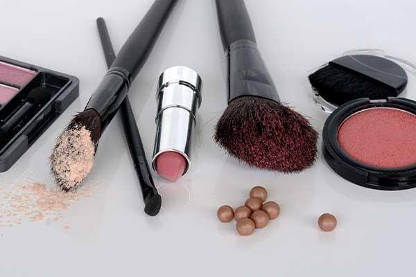 maquillaje-para-senoras-de-50-anos-