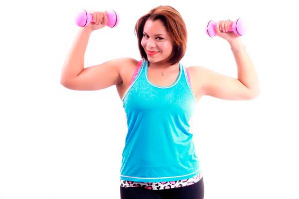 como-hacer-musculo-rapido-para-mujeres-con-pesas
