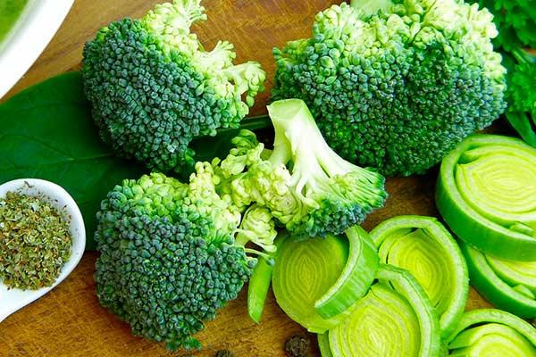 verduras-para-subir-las-defensas-el-brocoli