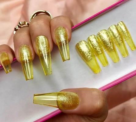 Uñas color Oro de Gelatina
